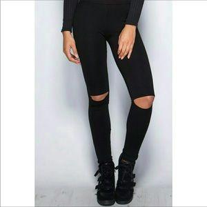 ☀️New Black cutout knees legging